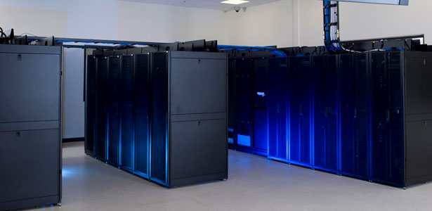 Szerver- és webhoszting. Klimatizált gépterem, minőségi szolgáltatás.